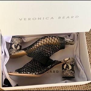 Veronica Beard Kasi sandals !